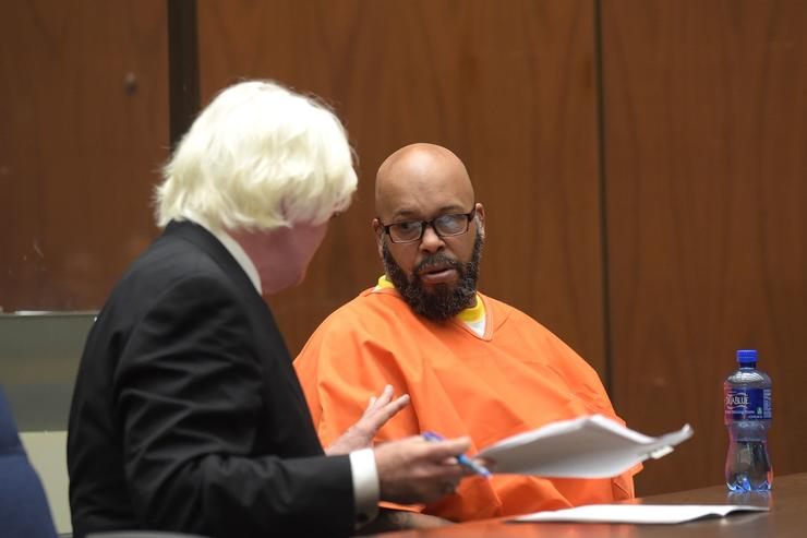Marion 'Suge' Knight (R) makes a court appearance with his lawyer Thomas Mesereau, for assault and robbery charges at Criminal Courts Building on May 29, 2015 in Los Angeles, California. Knight is charged with robbery and criminal threats after allegedly stealing a photographer's camera during an incident September 5, 2014 in Beverly Hills