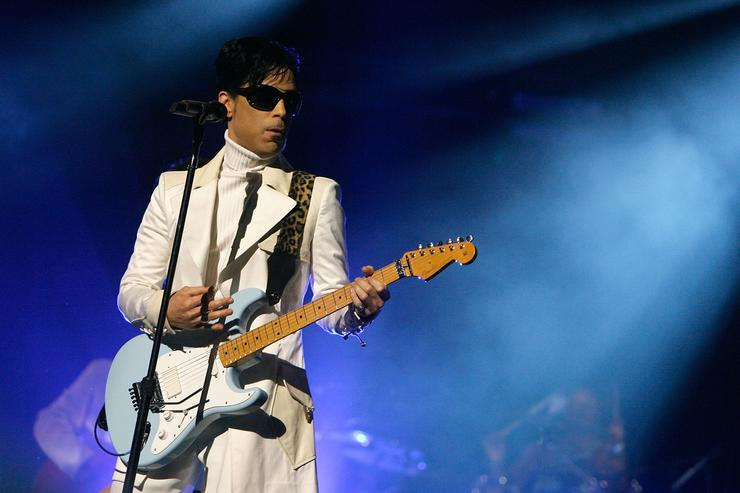 Prince performs at NCLR Awards 2007