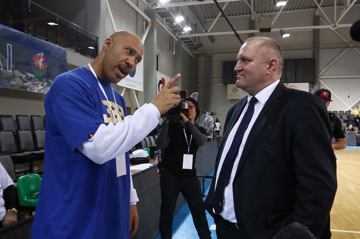 LaVar Ball reportedly yanking LiAngelo, LaMelo from Lithuanian league