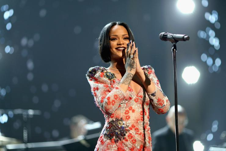 Rihanna Reportedly Turned Down Super Bowl in Support of Colin Kaepernick