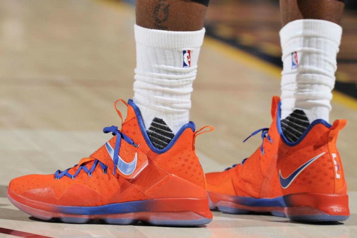 huge discount 0ece5 3f395 LeBron James Debuted A New