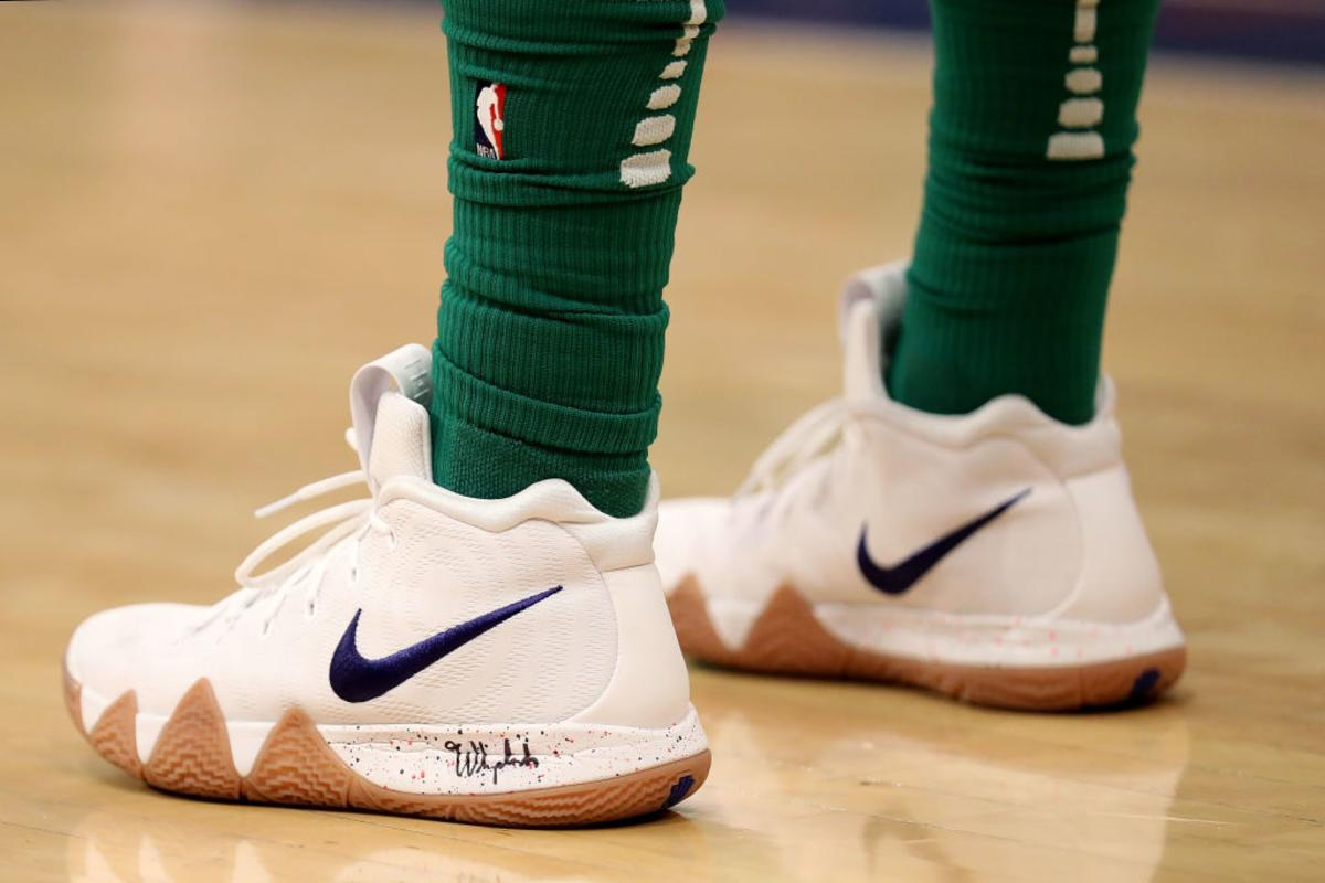 timeless design aac0d 5df7f Nike Kyrie 4