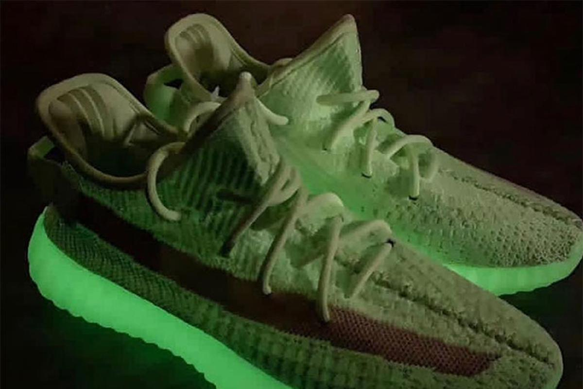 """Adidas Yeezy Boost 350 V2 """"Glow In The Dark"""" Releasing This"""